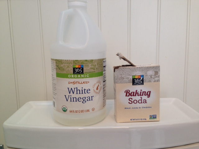 Unclogging a toilet - Baking Soda and vinegar